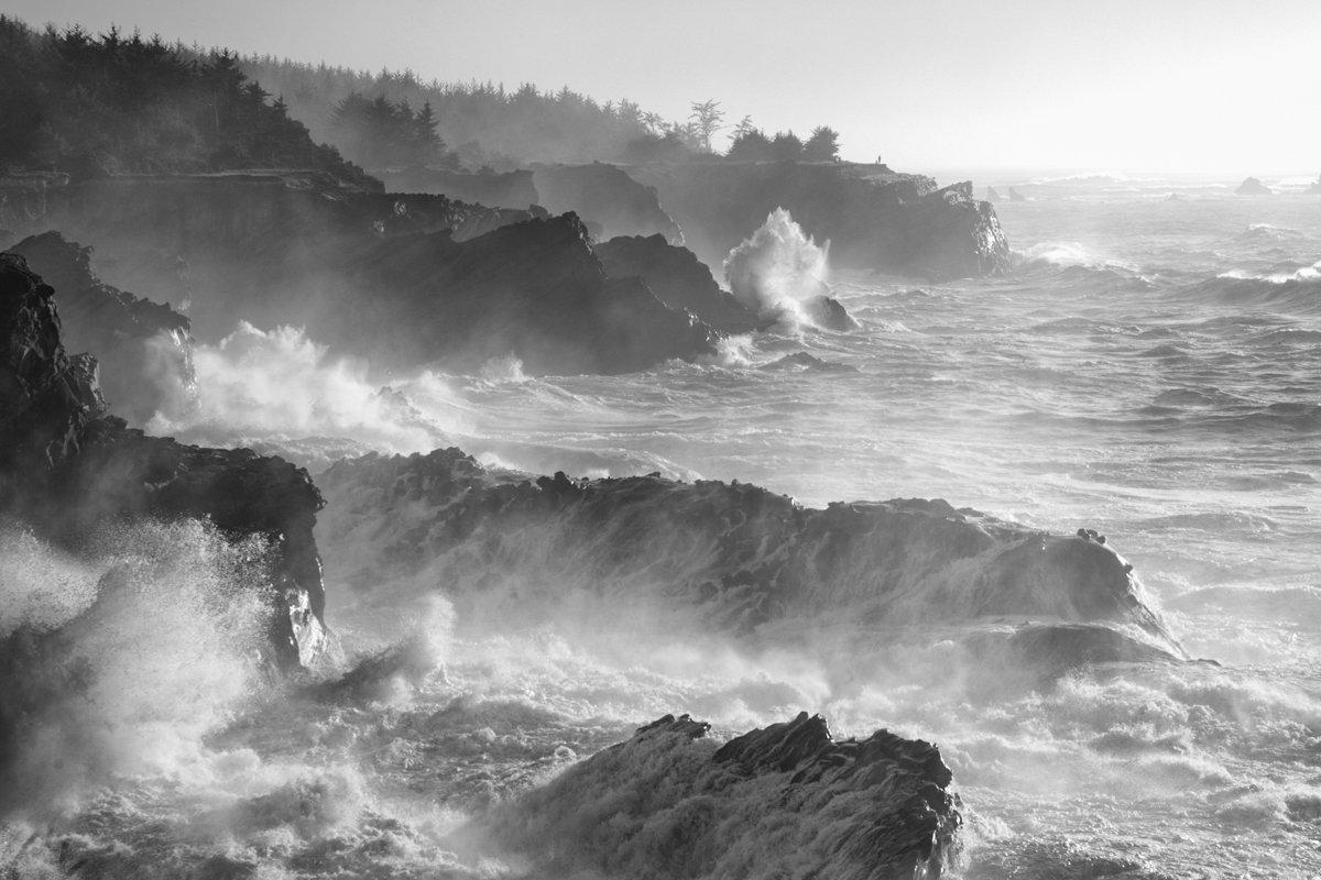 rough ocean swells on cliffs